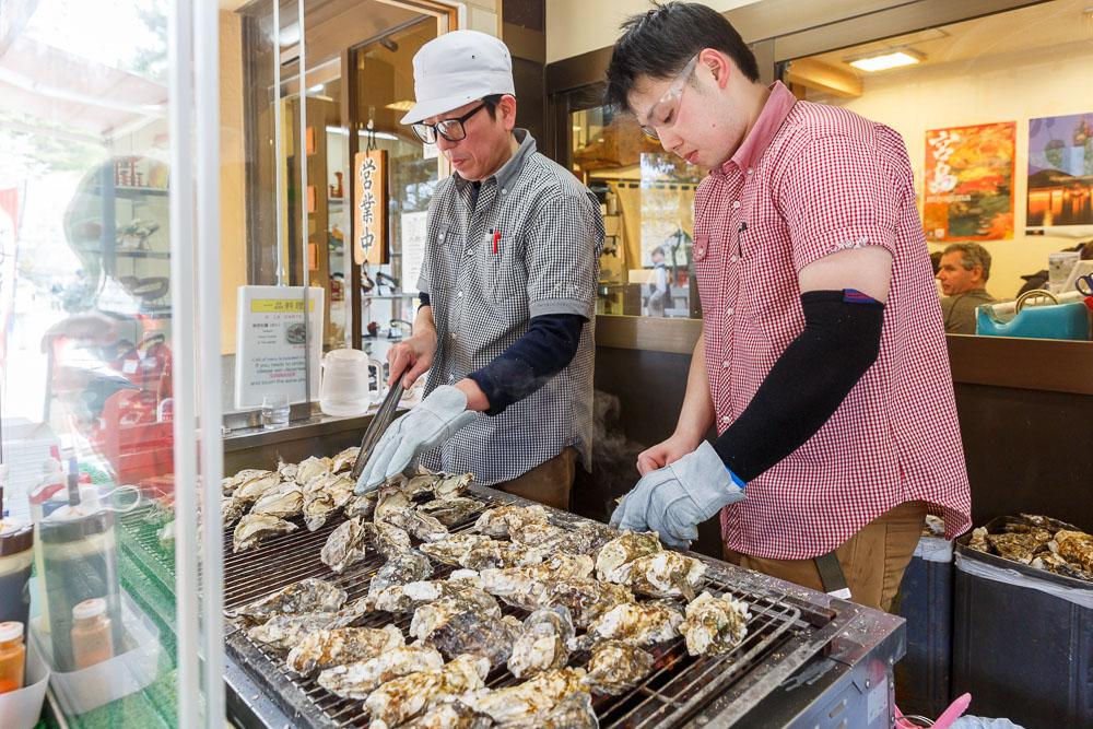 Japan Miyajima oysters 06