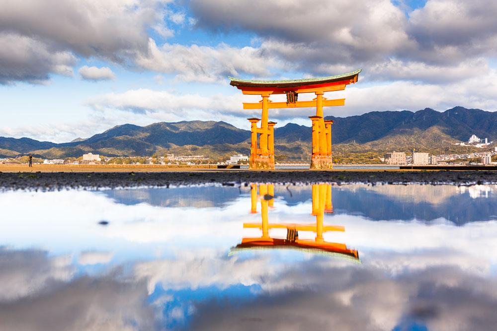 Japan Miyajima torii 04