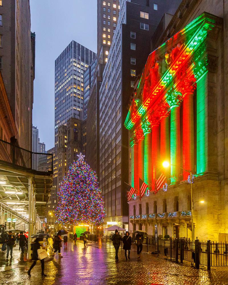 Christmas in New York City - Noel a New York - Downtown Manhattan 03