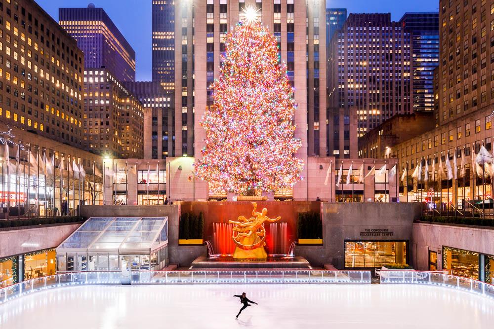 Christmas in New York City - Noel a New York - Rockfeller Center Christmas tree 01