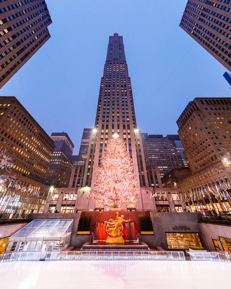 Christmas in New York City - Noel a New York - Rockfeller Center Christmas tree 02
