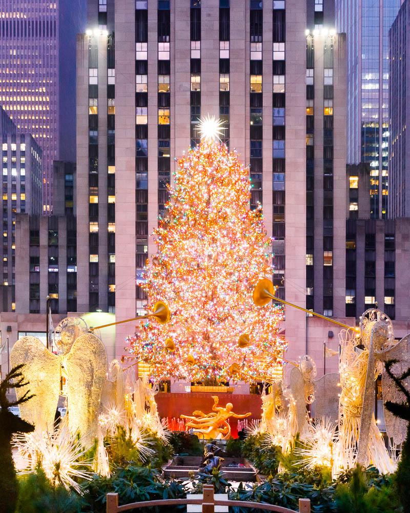 Christmas in New York City - Noel a New York - Rockfeller Center Christmas tree 03